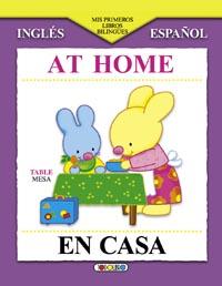 En casa/At home
